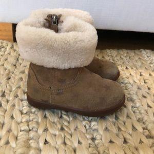 Ugg winter boots - Toddler girls USA size 6